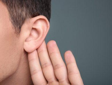 為何眼睛視力下降佩戴眼鏡就能處理,聽力降低卻那麼不便呢?